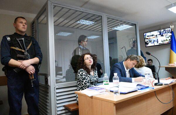 Суд в Киеве, рассмотрение дела россиян Е. Ерофеева и А. Александрова - Sputnik Таджикистан