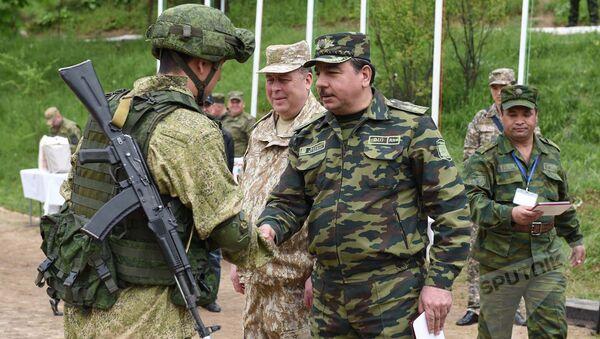 Министр обороны Таджикистана и офицеры силовых структур, архивное фото - Sputnik Тоҷикистон