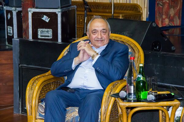 Хирург Ренат Акчурин - Sputnik Таджикистан