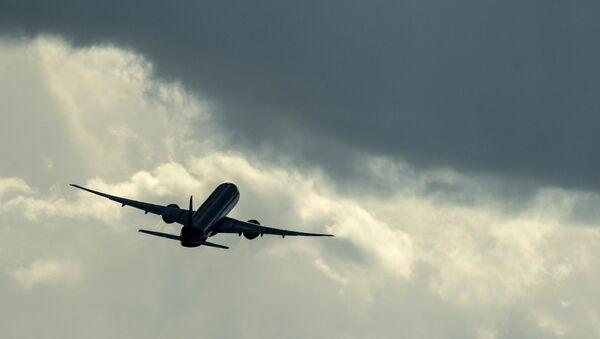 Самолет. Архивное фото - Sputnik Таджикистан