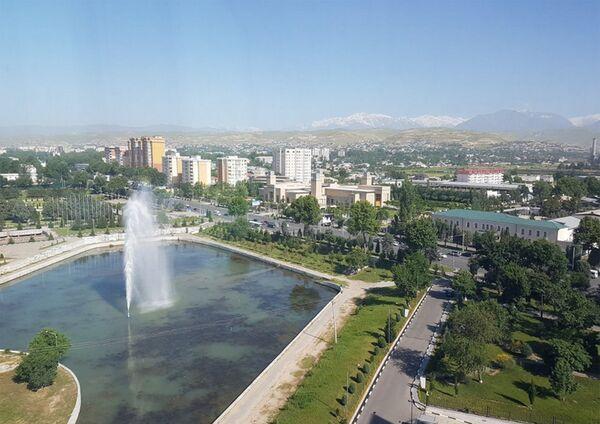 Фотография с видом на часть парка Национального флага Таджикистана, опубликованная в официальном аккаунте Twitter Дмитрия Рогозина - Sputnik Таджикистан