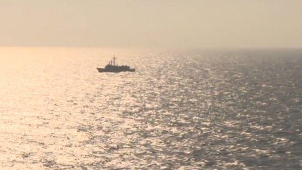 Самолеты и корабли ведут поиск пропавшего лайнера EgyptAir. Кадры операции - Sputnik Таджикистан