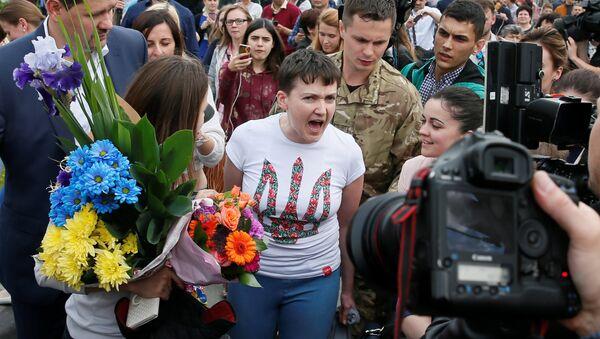 Надежда Савченко прибыла в Киев 25 мая 2016 года - Sputnik Таджикистан