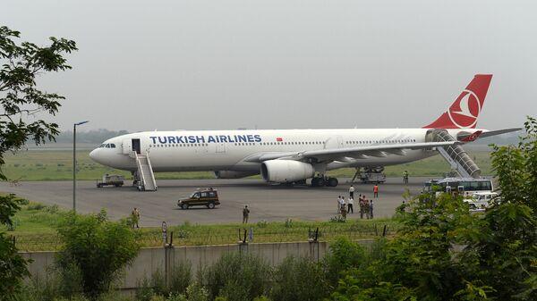 Самолет Turkish Airlines. Архивное фото - Sputnik Таджикистан