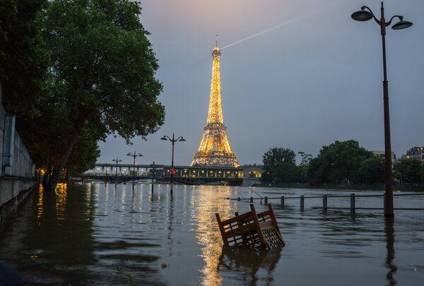 Наводнение в Париже - Sputnik Таджикистан