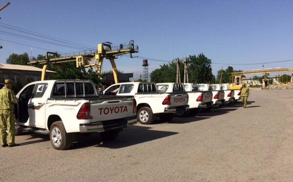 Транспортные средства, подаренные посольством Соединенных Штатов Америки в Душанбе таджикским пограничникам - Sputnik Таджикистан