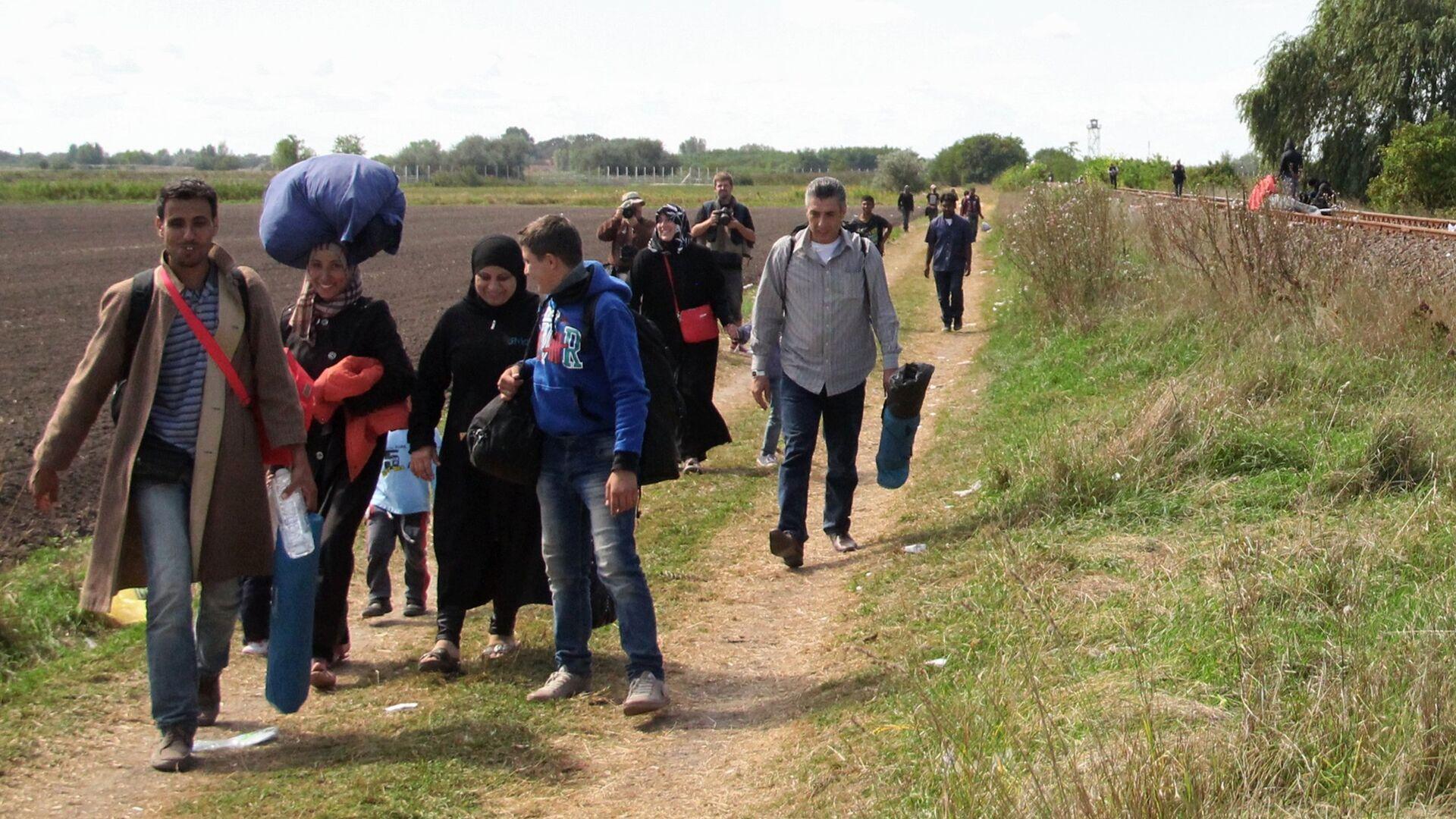 Беженцы в Европе. Архивное фото - Sputnik Таджикистан, 1920, 24.07.2021