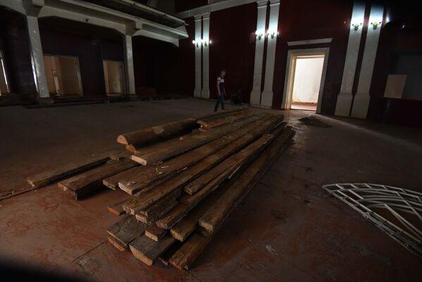 Последние дни Театра имени Владимира Маяковского в Душанбе - Sputnik Таджикистан