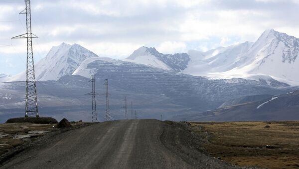 Дорога в Кыргызстане, архивное фото - Sputnik Таджикистан