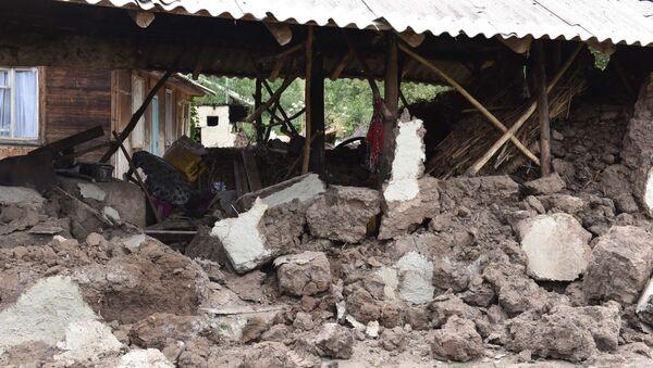 Кадры разрушенных домов после землетрясения в Раштском районе - Sputnik Тоҷикистон