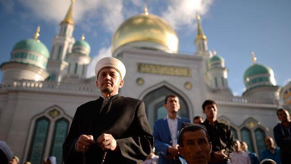 Празднование Ураза-байрама в Москве - Sputnik Таджикистан