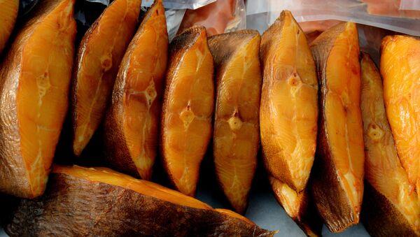 Торговля рыбой, архивное фото - Sputnik Таджикистан