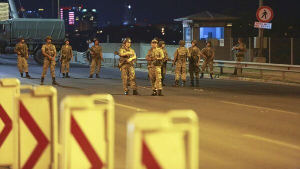 Военные в Турции. 15 июля 2016 - Sputnik Таджикистан