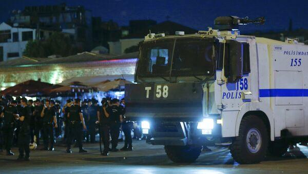 Турецкая полиция. 15 июля 2016 - Sputnik Таджикистан