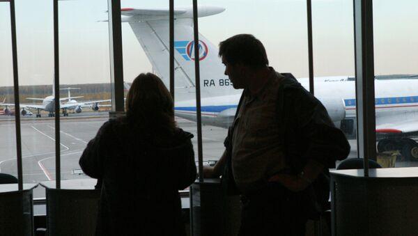 В зале ожидания аэропорта Домодедово. Архивное фото - Sputnik Таджикистан