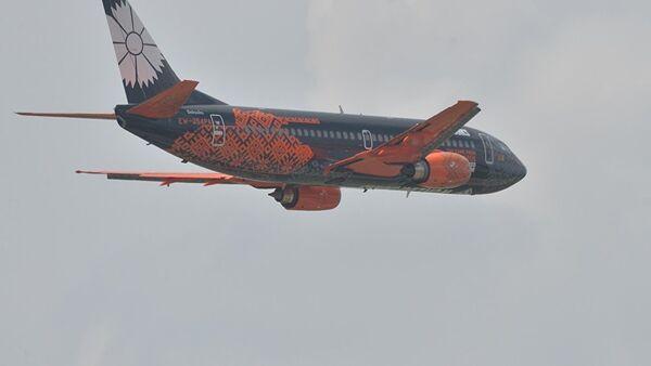 Самолет Белавиа, брендированный компанией Wargaming, - Sputnik Таджикистан