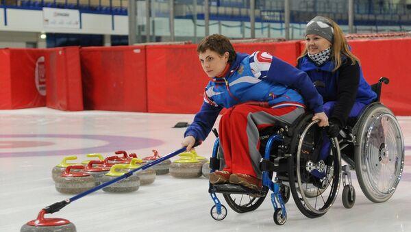 Тренировка паралимпийской сборной России по керлингу - Sputnik Таджикистан