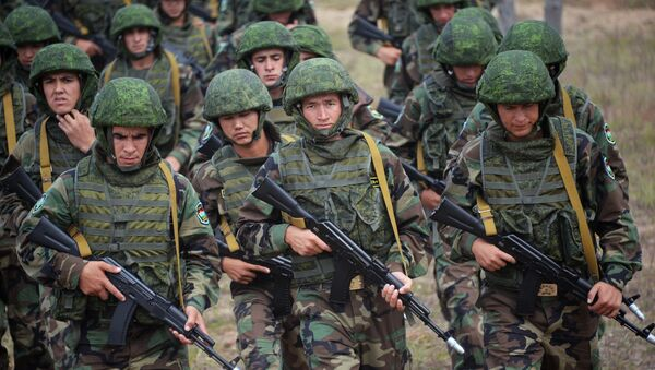 Совместные учения Коллективных сил оперативного реагирования (КСОР) ОДКБ, архивное фото - Sputnik Таджикистан