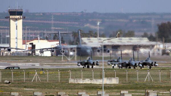Авиабаза Инджирлик в Турции. Архивное фото - Sputnik Таджикистан