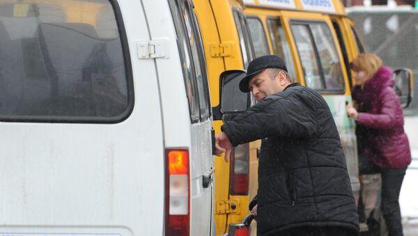 Работа маршрутных такси, архивное фото - Sputnik Таджикистан
