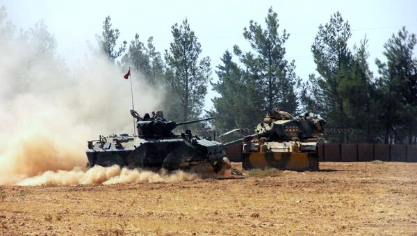 Турецкая армия переходит границу с Сирией - Sputnik Таджикистан