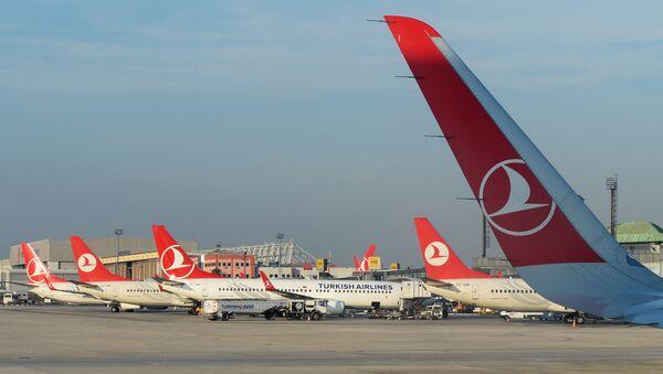 Международный аэропорт имени Ататюрка, архивное фото - Sputnik Тоҷикистон