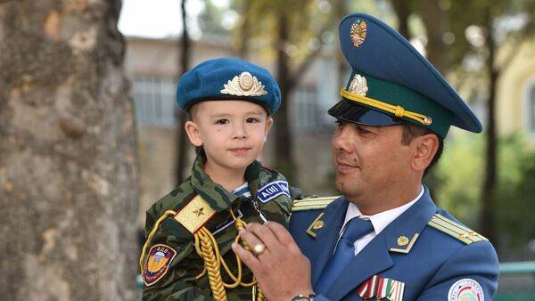 Военный парад в честь 25-летия Независимости Таджикистана - Sputnik Таджикистан