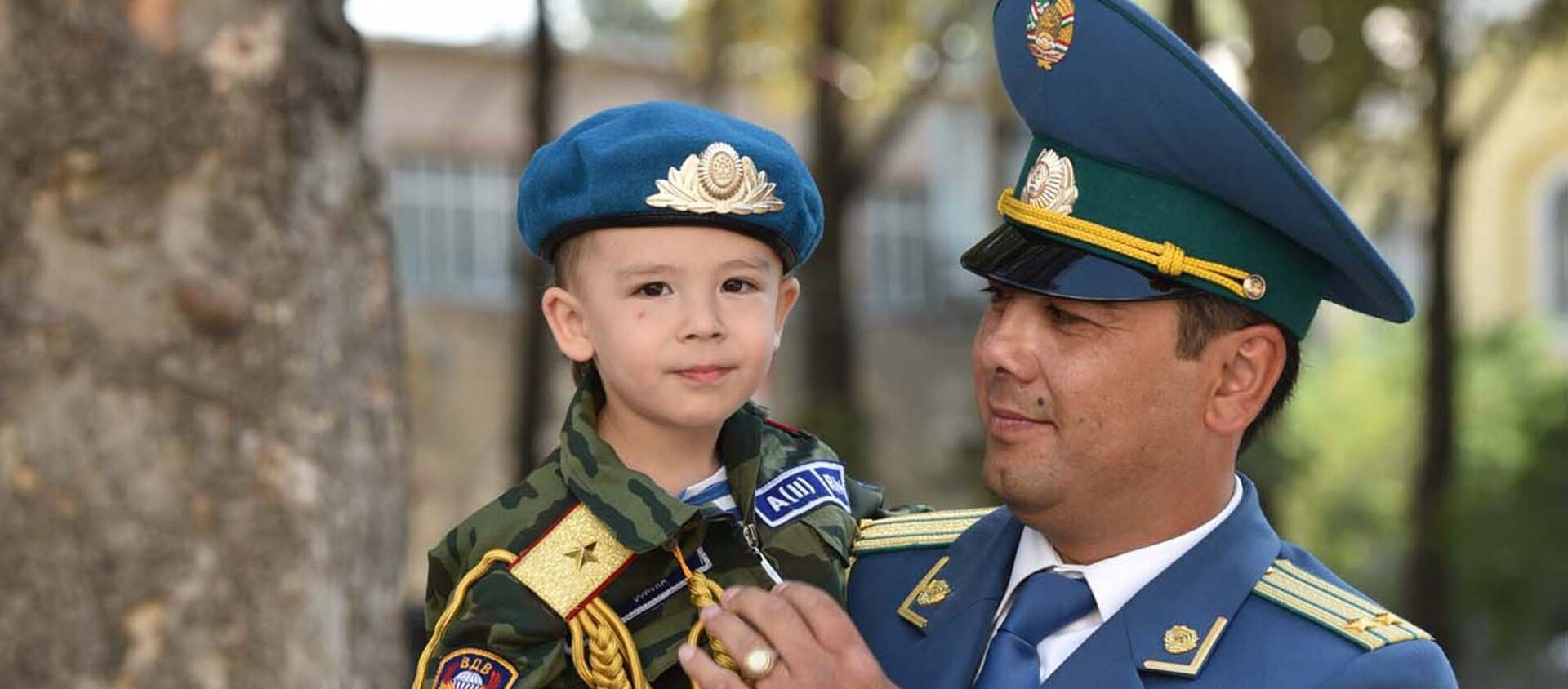 Военный парад в честь 25-летия Независимости Таджикистана   - Sputnik Таджикистан, 1920, 23.02.2021