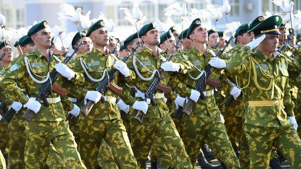 Военный парад в Худжанде по случаю 25-й годовщины независимости Республики Таджикистан - Sputnik Тоҷикистон