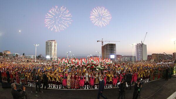 Праздничное шествие в Худжанде по случаю 25-й годовщины независимости Республики Таджикистан - Sputnik Тоҷикистон