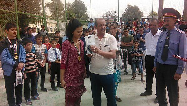 Награждение победителей спортивных соревнований в Кулябе - Sputnik Таджикистан