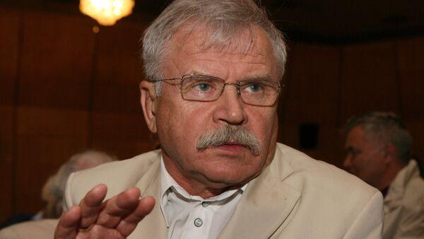 Актер и режиссер Сергей Никоненко, архивное фото - Sputnik Таджикистан