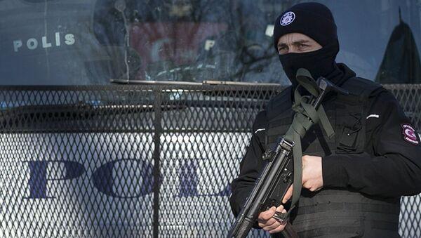 Работа турецкой полиции, архивное фото - Sputnik Таджикистан