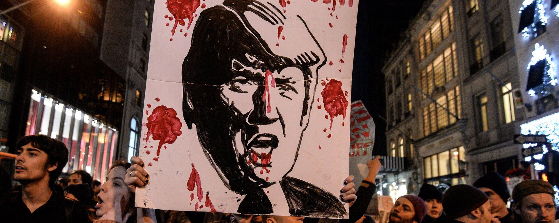 Акция протеста против Д. Трампа в Нью-Йорке - Sputnik Таджикистан, 1920, 27.09.2020