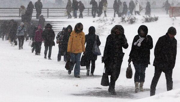 Снегопад и штормовой ветер, архивное фото - Sputnik Таджикистан