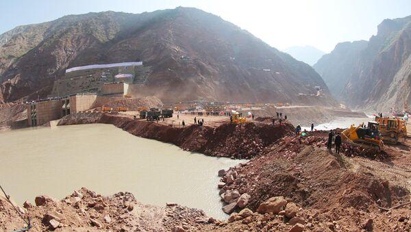 На строительной площадке плотины на Рогунской ГЭС, архивное фото - Sputnik Таджикистан