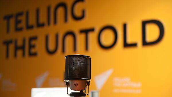 В студии радио Sputnik, архивное фото - Sputnik Таджикистан