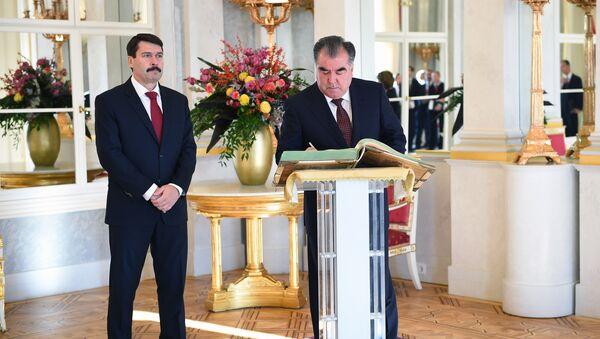Президент Таджикистана Эмомали Рахмон и Президент Венгрии Янош Адер - Sputnik Таджикистан