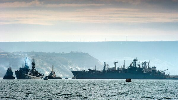 Корабли Черноморского флота России в бухте Севастополя, архивное фото - Sputnik Таджикистан