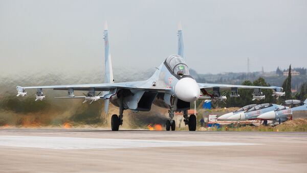 Подготовка к вылету самолетов ВКС России на авиабазе Хмеймим в Сирии, архивное фото - Sputnik Таджикистан