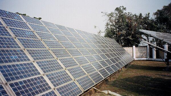 Солнечные батареи, архивное фото - Sputnik Таджикистан