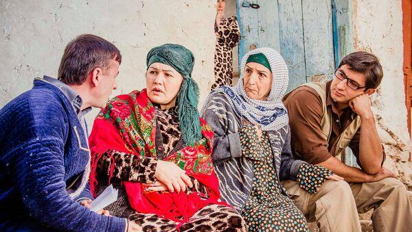На съемках фильма Воздушный Сафар режиссера Далера Рахматова, архивное фото - Sputnik Таджикистан