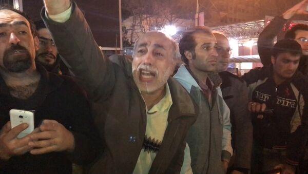 Тысячи иранцев вышли на улицы Тегерана после известия о смерти экс-президента - Sputnik Таджикистан