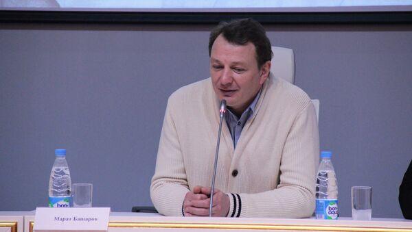 Марат Башаров во время пресс-конференции - Sputnik Таджикистан