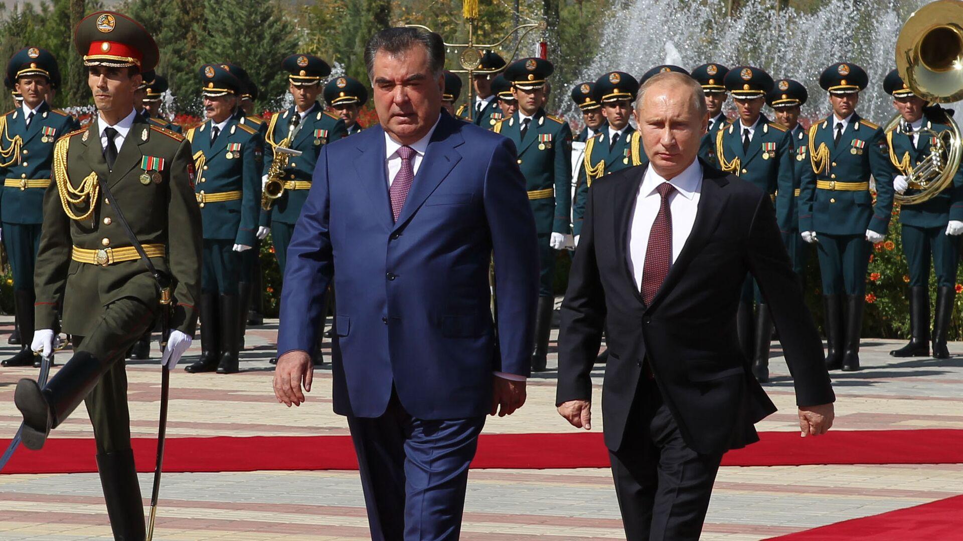 Официальный визит президента РФ В. Путина в Таджикистан, 2012 год, архивное фото - Sputnik Тоҷикистон, 1920, 20.09.2021