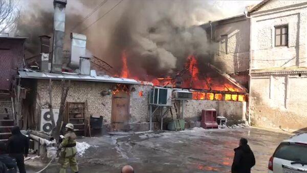 В Ташкенте сгорел кыргызский ресторан Mamas - Sputnik Таджикистан