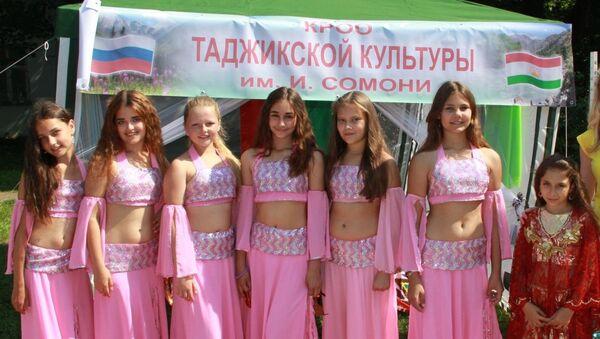 Уроженки Таджикистана в Калининграде - Sputnik Таджикистан