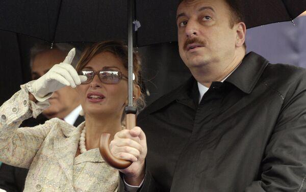 Президент Азербайджана Ильхам Алиев, его супруга Мехрибан Алиева, архивное фото - Sputnik Таджикистан
