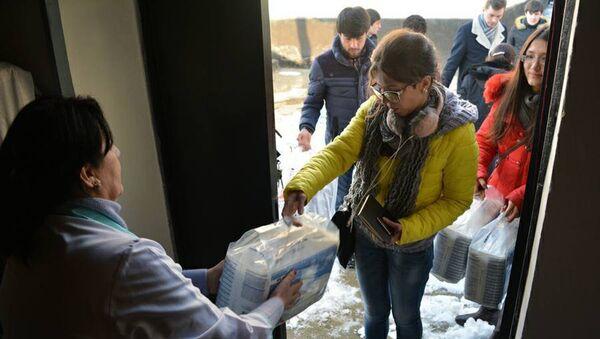 Представители Россотрудничества и cотрудники Русской гуманитарной миссии посетили интернат в Таджикистане - Sputnik Таджикистан