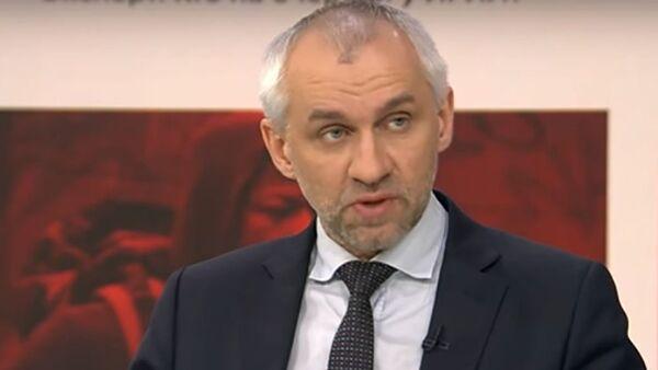Политолог Владимир Шаповалов - Sputnik Тоҷикистон